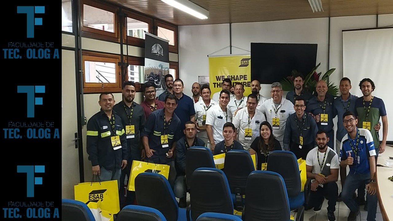 Empresa líder no setor de soldagem e corte visita a Faculdade de Tecnologia da UFAM